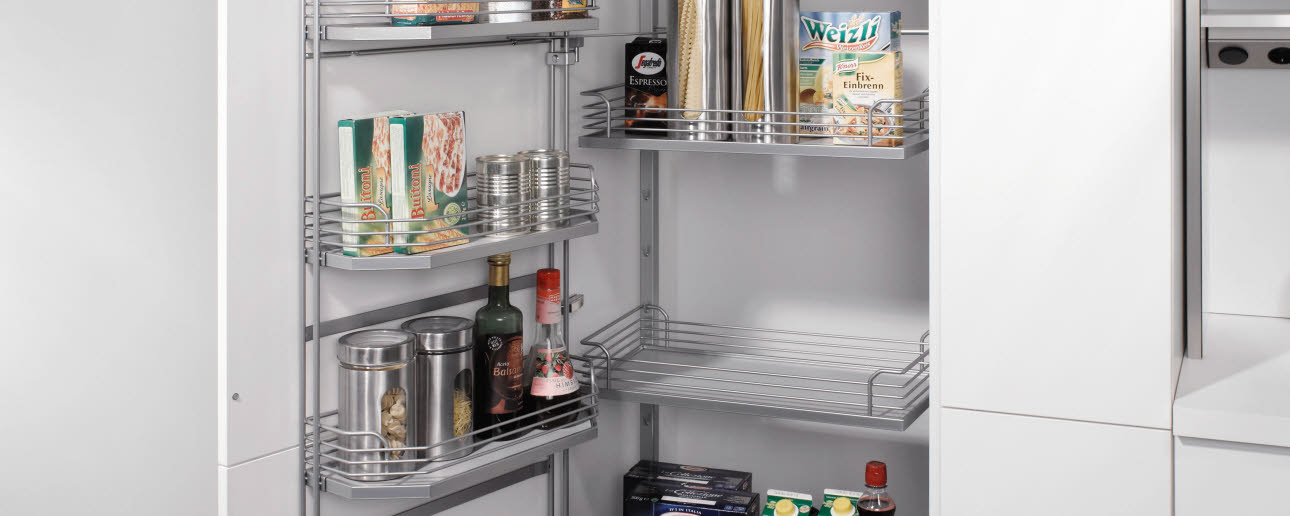 Stock cupboard with tandem function
