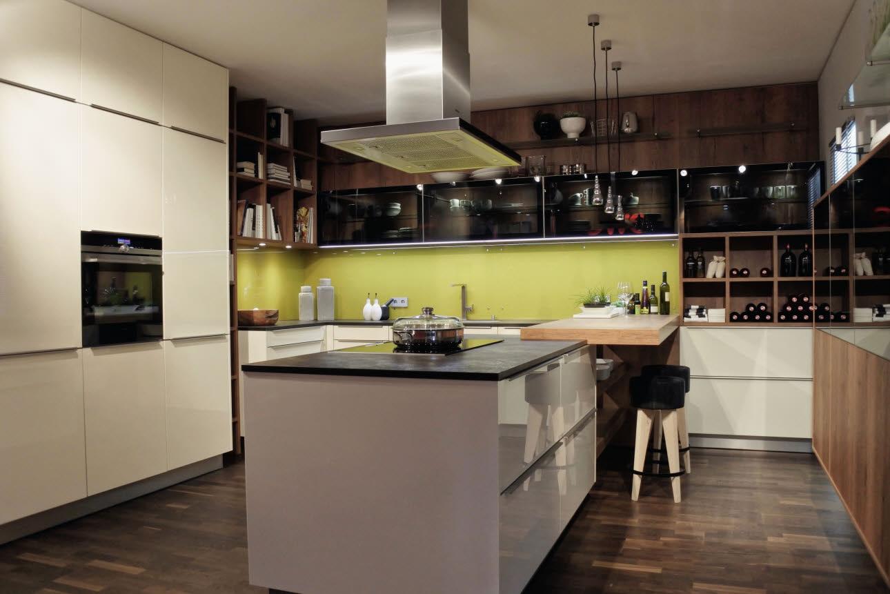 Erfreut Küche Lack Mit Honig Eiche Schränke Galerie - Küche Set ...
