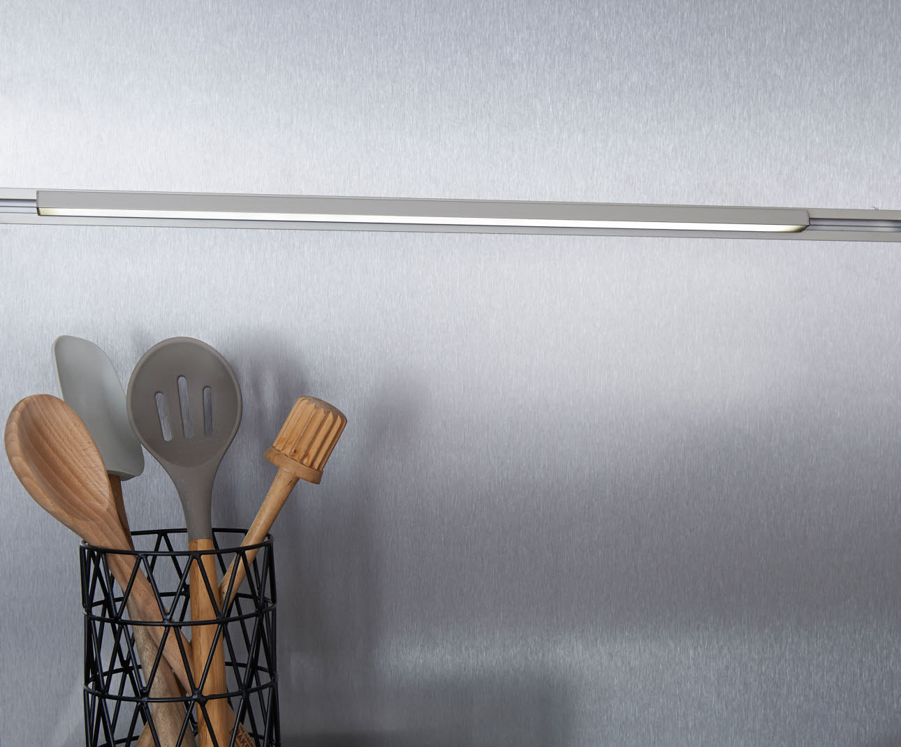 LED light profile - kitchen utensils