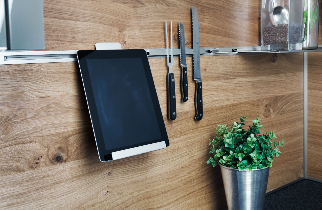 USB-charging station - black tablet