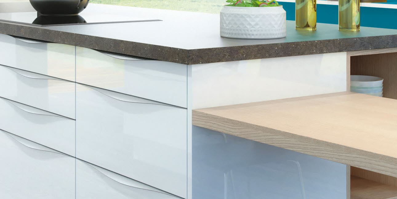 sideboard wei f r k che k che kaufen gebraucht norddeutsche creme essecke sitzbank ikea forum. Black Bedroom Furniture Sets. Home Design Ideas